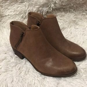 Lucky brand brown tan heeled zippere ankle booties